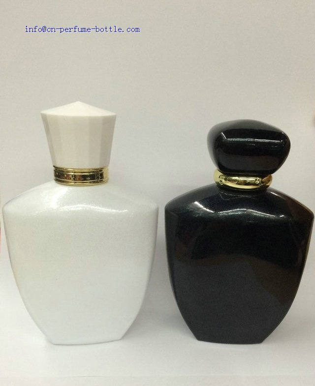 100ml black glass bottle with black acrylic cap